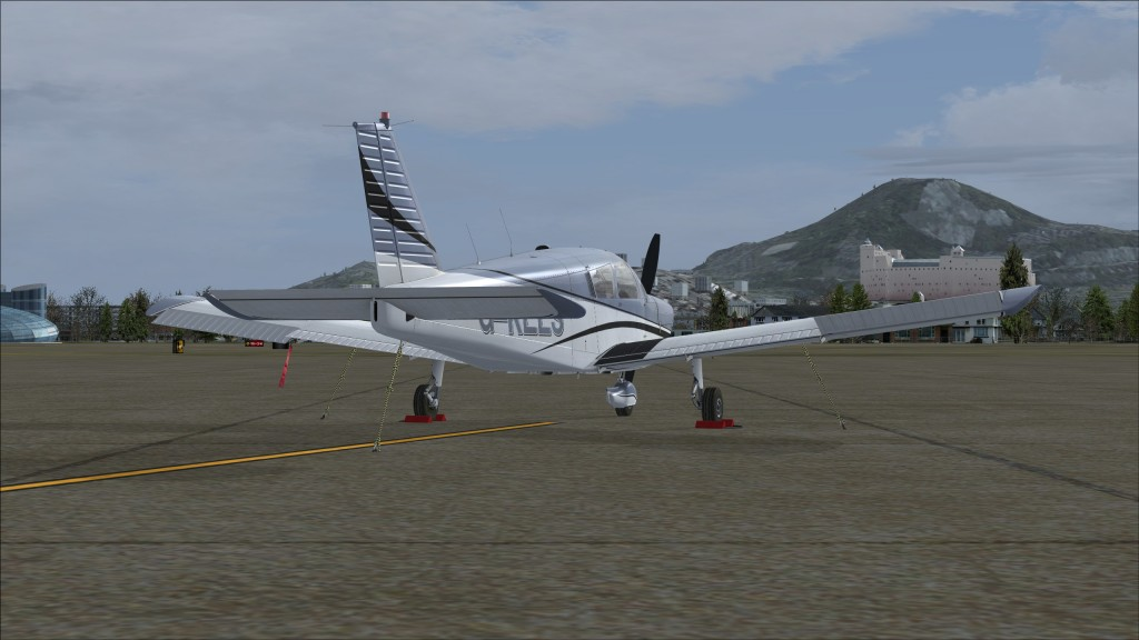 01-fsx-cherokee-lows-lowl-parked
